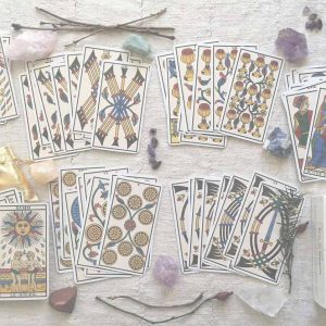Aquarius Full Moon August 2020 - Zodiac guidance from the Tarot! Girl and Her Moon