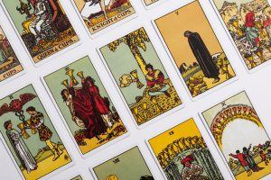 Pisces Full Moon September 2021: Zodiac Tarot Reading Girl and Her Moon